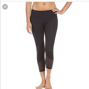 beyond yoga perfect angles capri small